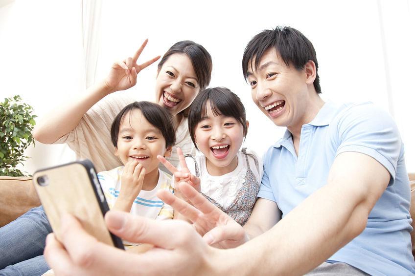 便利なアイテムも、身近な幸せのお手伝い。まずは、自分の体・心・懐の健康が、自分と身近な人の幸福につながることを再認識することが大切。