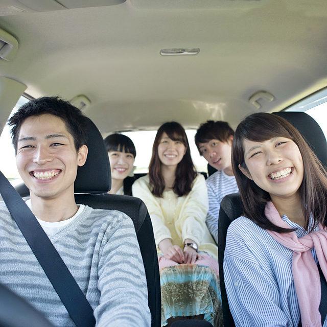 高齢ドライバーの事故ばかりが注目されるが、若年層の死亡事故はそれよりも多く、かなり深刻だ。