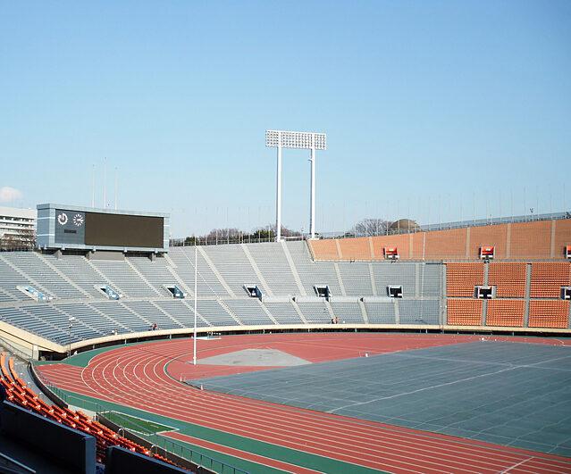 約6万席の観客席を有する新国立競技場。五輪史上初となる、異例の無観客開催となった。